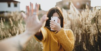 Στάδια της γνωριμιών στην εφηβεία